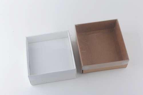 קופסא עם מכסה שקוף
